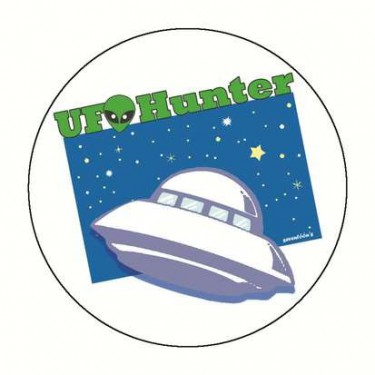 Badge UFO HUNTER 59 mm